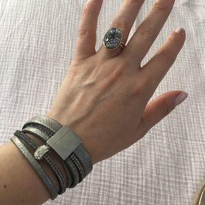 Bracelet / Choker
